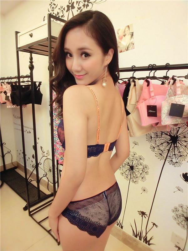 00075 Korean Style Embroidery Lace Push Up Bra Set