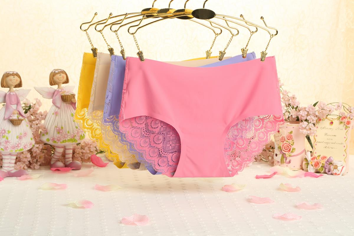 00236 Best-selling Lace Embroidered Flower G-String