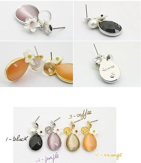 02297Korean shell water droplets earrings