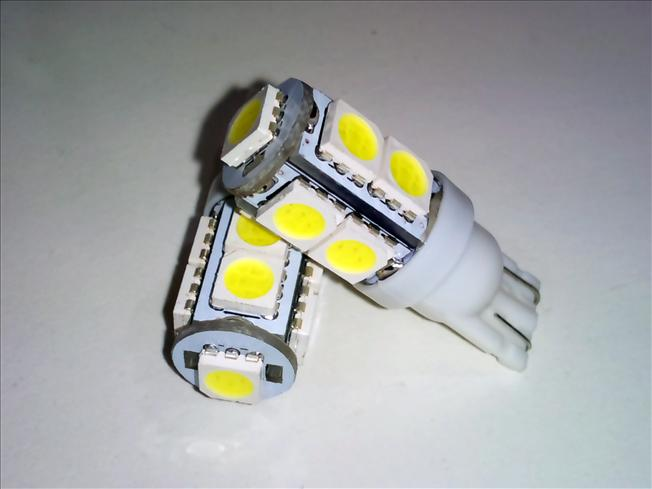 2x (T10 9-SMD 5050 Ultra Bright LED)