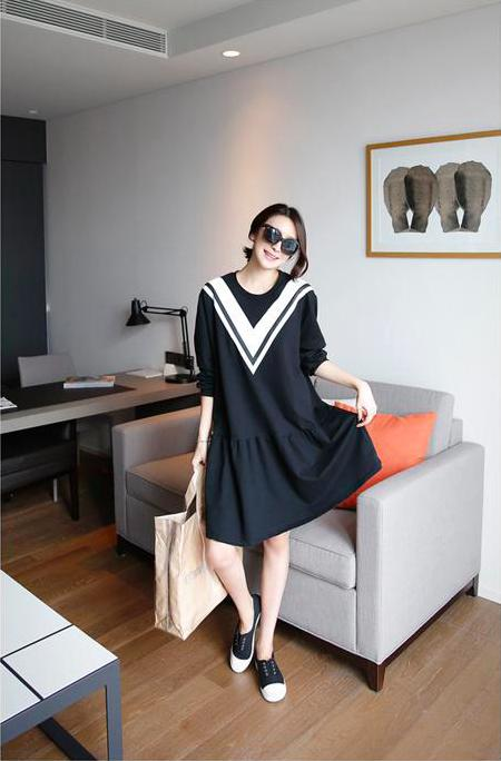 AD7000 Korea Stylish Dress As Picture