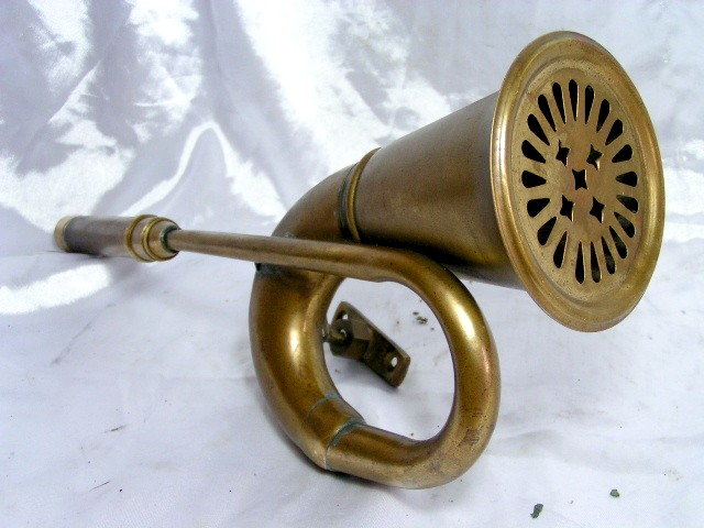 Antique Tricycle Horn : Antique vintage brass car bike horn from india penang