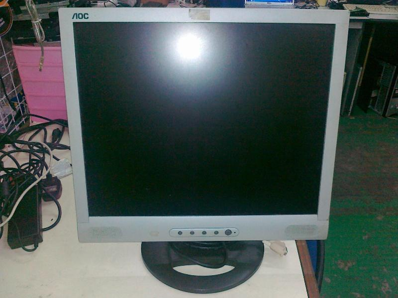 AOC 19 inch LCD Monitor built in speaker 250911