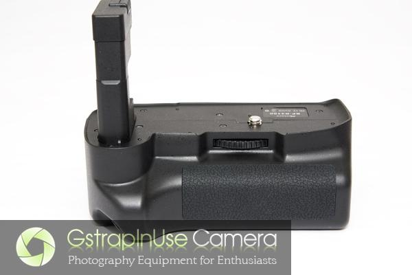Aputure BP-D3100 Battery Grip for Nikon D3100