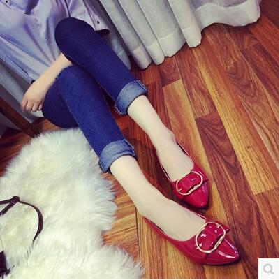 New arrival enamel leather round buckle pointed sandal