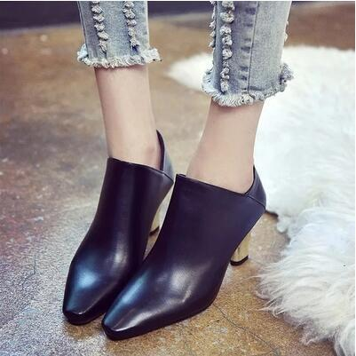 New arrival Korea version thick heel pointed martin boot