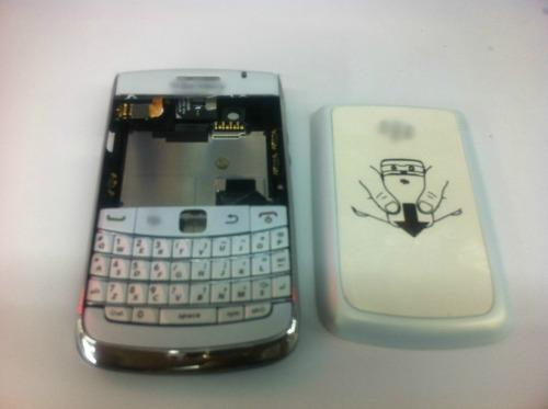 BB Black Berry Bold 2 9700 White Fullset Housing / Keypad / Middle Board