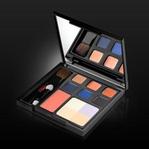 Beauty Maker - New York Limited Series Subway Self Discovery Makeup Pa
