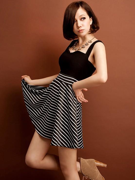 Black-White Lines Hem Sleeveless Fashion Short Dress