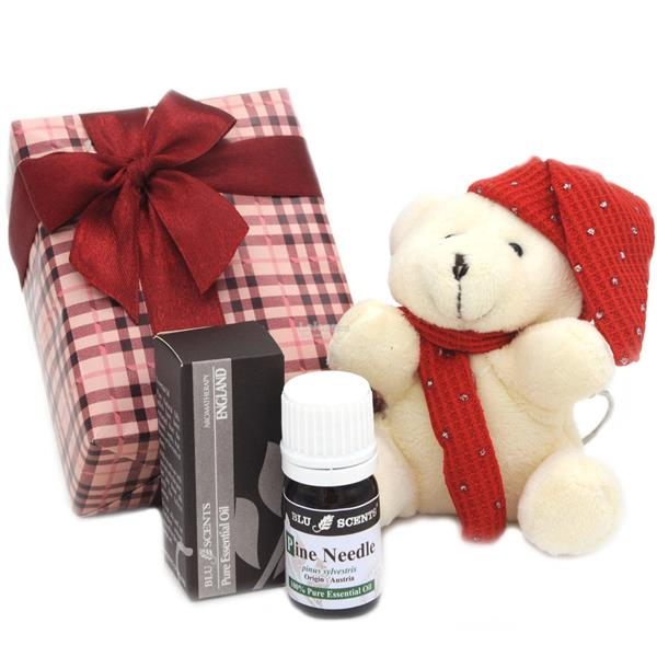 Blu Scents Pine Needle Red Lovely Plush Bear Keychain Gift Set