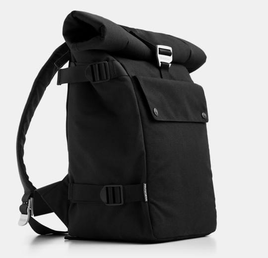 "blueLounge Eco Friendly BackPack Fits up to 17"" MacBook Pro - Black"
