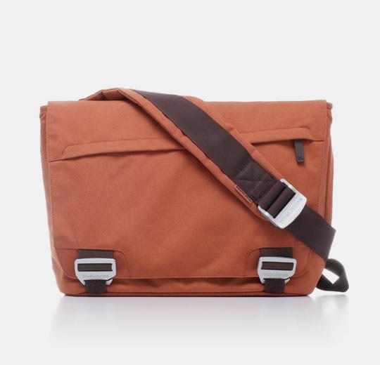 blueLounge Eco Friendly Messenger Bag For McBook Pro 17' - Rust
