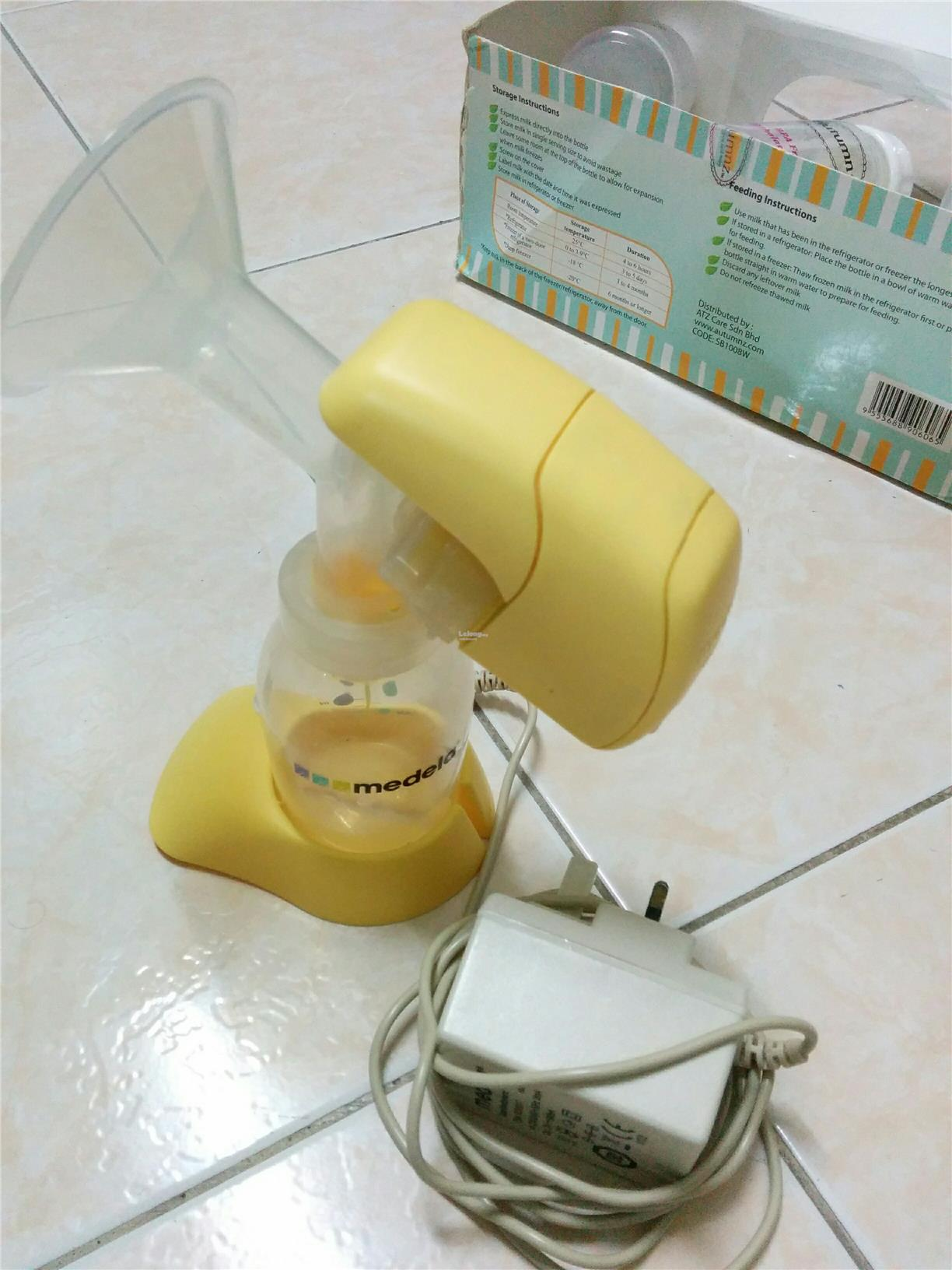 Breast Pump, with bottles