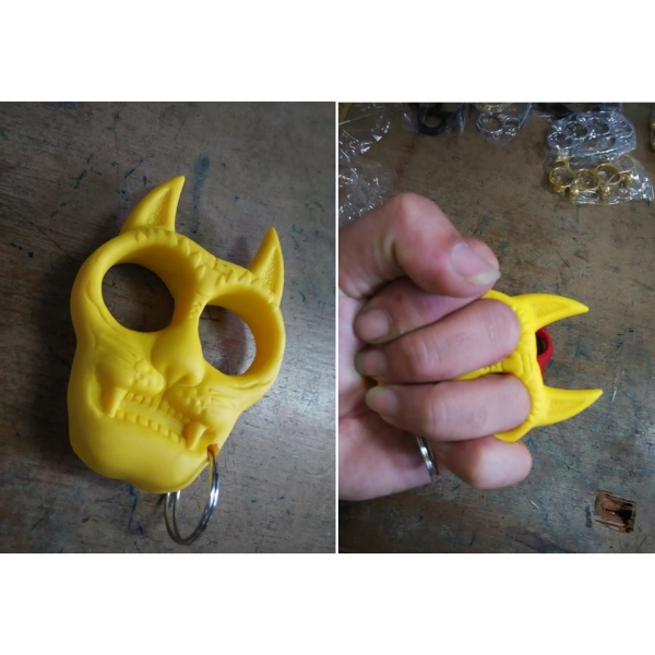 **CELLY**CAT KNUCKLE KEY CHAIN (YELLOW)