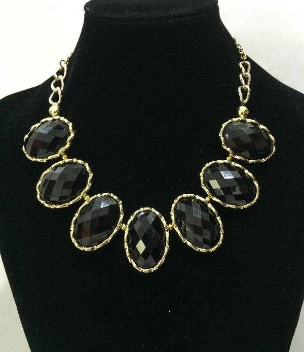 Classic Black FauxGemstone Necklace (CLEARANCE SALE!) (Free Shipping)