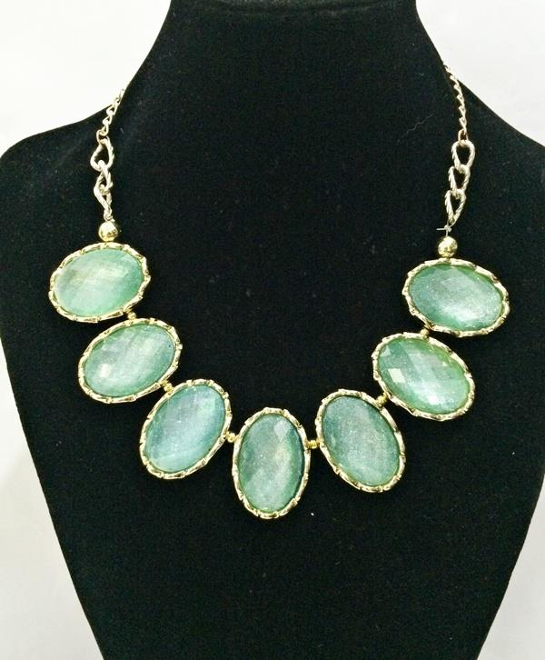 Classic Blue Faux Gemstone Necklace  (CLEARANCE SALE!) (Free Shipping)