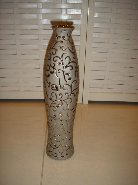 decorative vase/ pasu hiasan