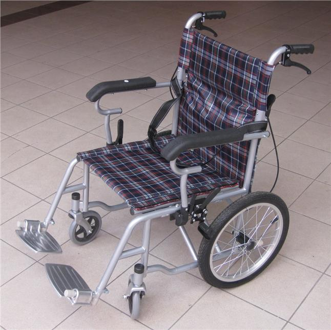 Detachable swing away travel transit lightweigt wheelchair kerusi roda