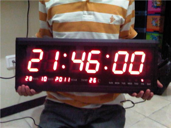 Digital LED Wall Clock,Auto Calendar,Thermometer +-+ LED Colour Red