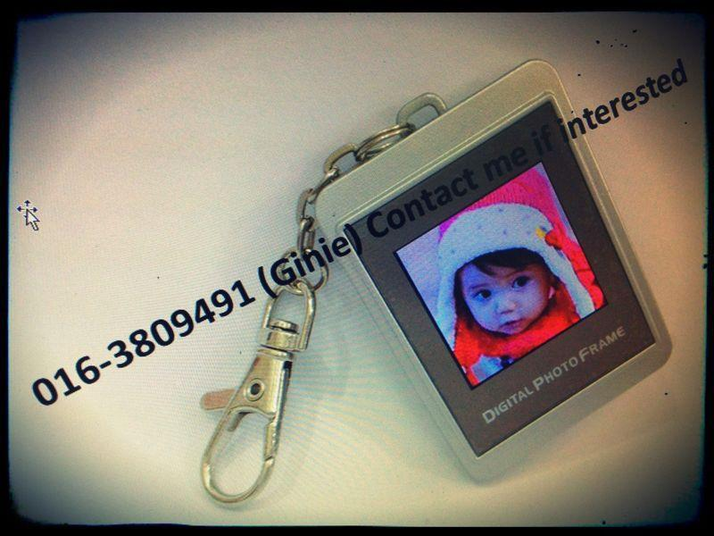 Digital Photo Frame Keychain SILVER