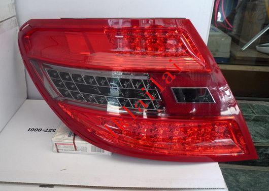 EAGLE EYES Mercedes Benz W204 '08-11 LED Tail Lamp Red/Smoke TL-028-1