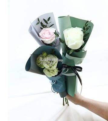EARLY BOOKING PROMO Valentine's Day Roses Hydrangea Fresh Hand Bouquet