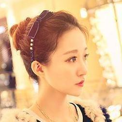 Elegant Diamond Ribbon Hair Band