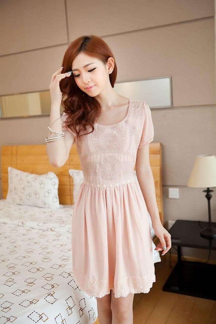Elegant Embroid Flower-Bottom Dress (Pink)