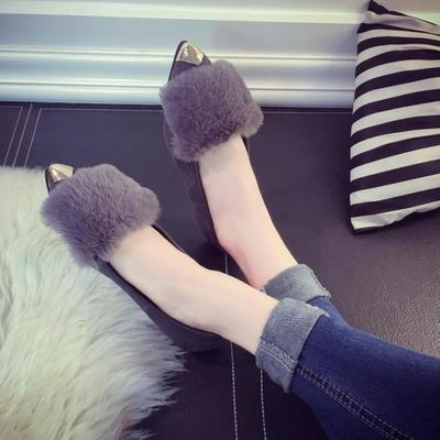 European wind metal pointed fur flat sandal