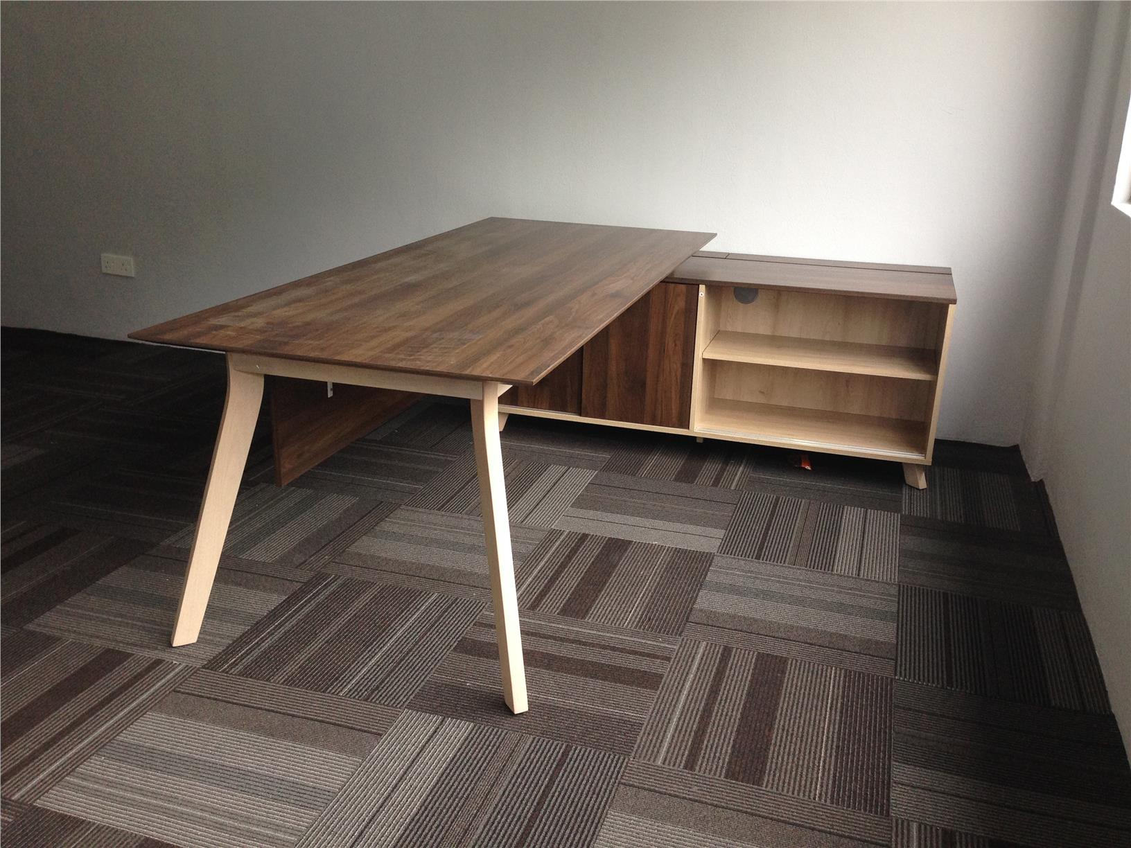 EXECUTIVE TABLE WITH SIDE CABINET