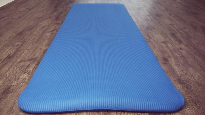 Extra Thick Yoga Mat (very c (end 5/11/2018 11:15 PM - MYT )
