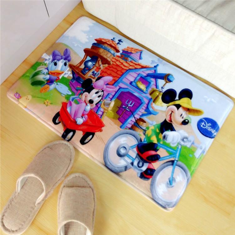 FM0010 MICKEY CYCLING DAY FLOOR MAT