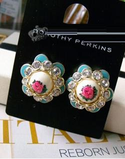 Free Pos Bohemian Style Flowers Earrings