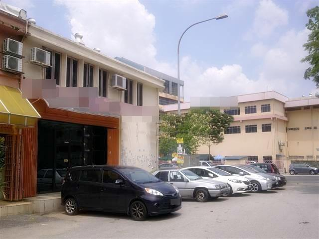 Freehold Corner Factory for sale, Sri Damansara 5, Partly Furnished