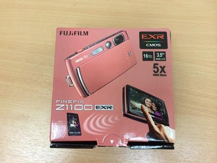 Fujifilm finePix Z1100 wifi touch camera