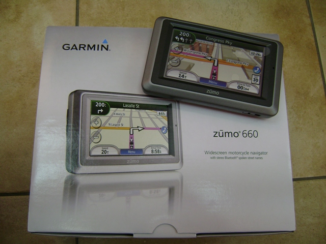 Garmin Zumo 660 GPS Navigator, Motorcycle Friendly (Price Nego)