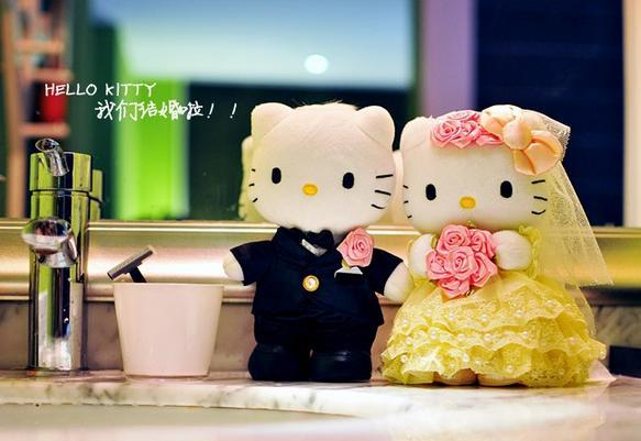 Hello Kitty 20 cm or 30 cm Tall Wedding Couple Soft Toy - 1 Pair