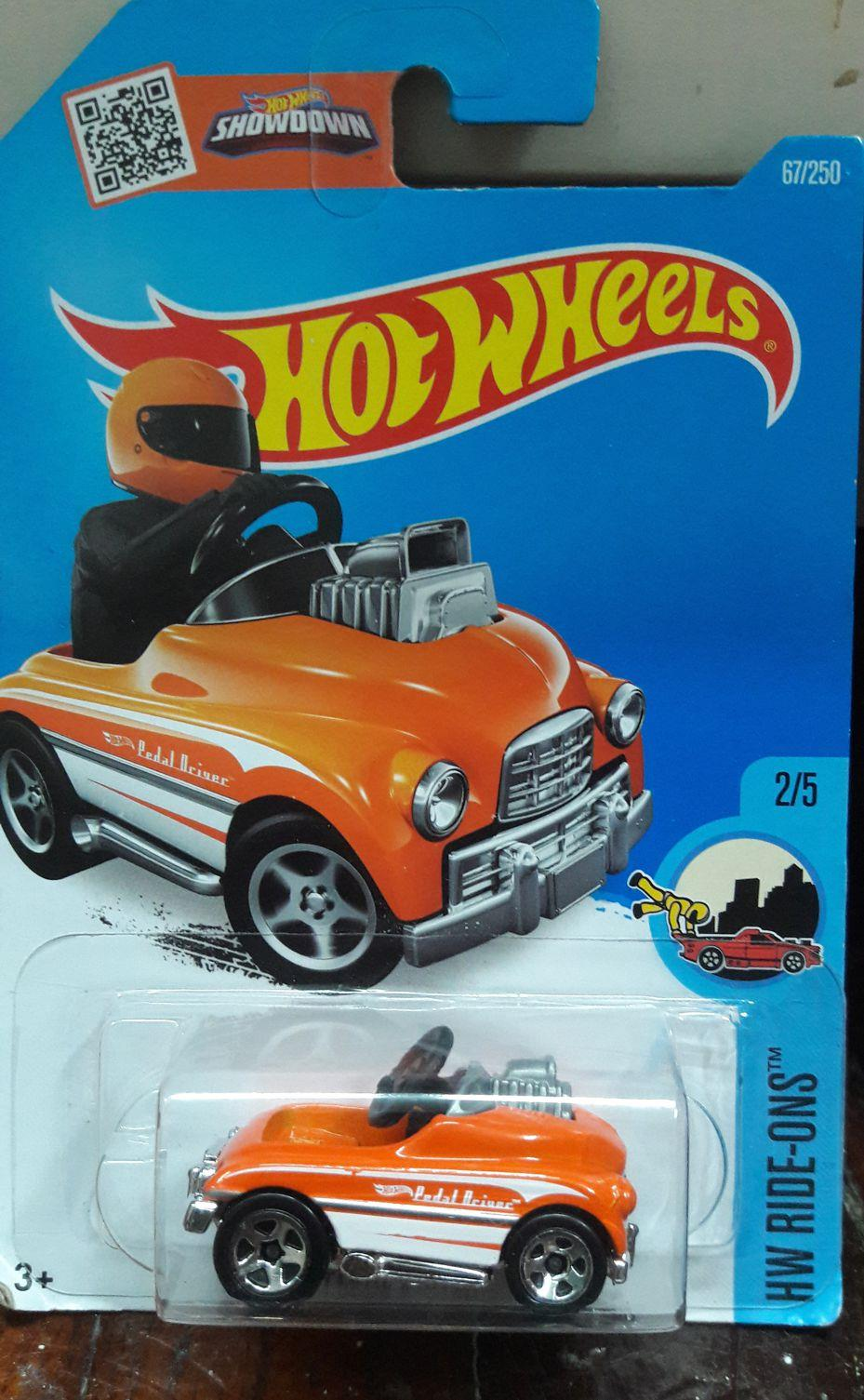 Hot Wheels Ride-Ons Pedal Driver 2/5