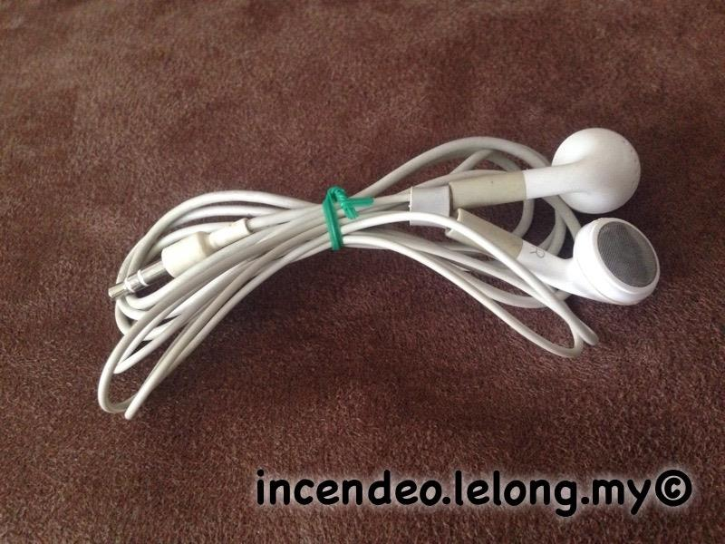 **incendeo** - Original Apple iPod Stereo Earphones