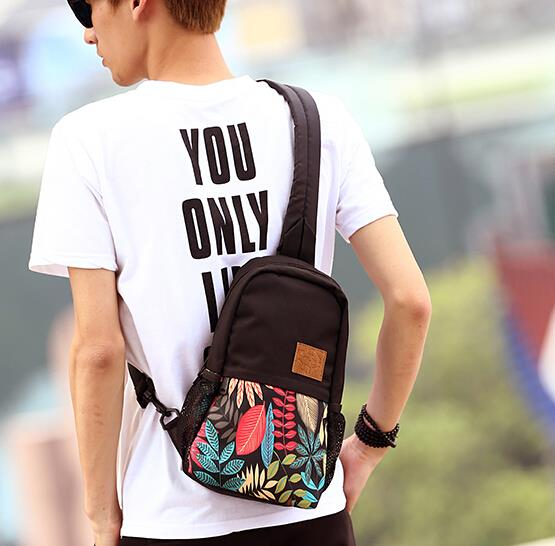 Japan and South Korea trend of male and female printed chest bag