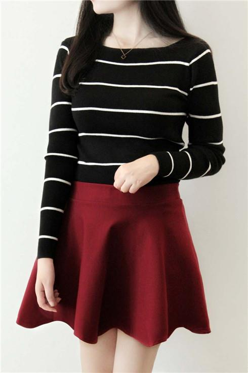 Korea Style Stripe Show-slim Thin Knit Blouse (Black)