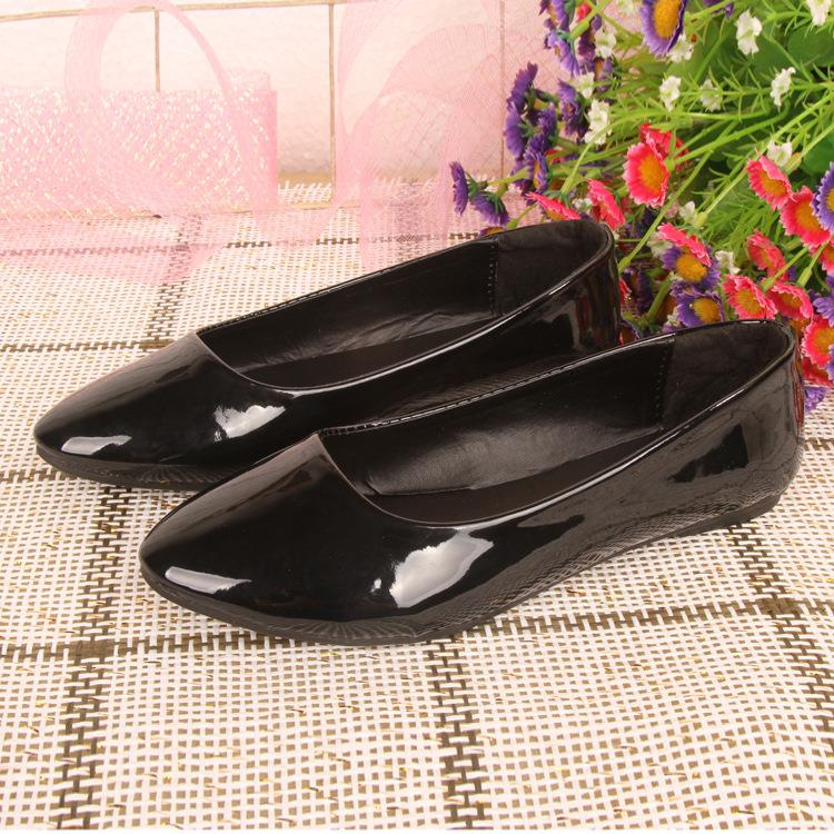 Korean~Candy Color Flat Base Patent Leather Shoes (Black)