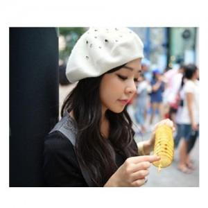 Korean Fashion Ladies Wool Rivets Cap