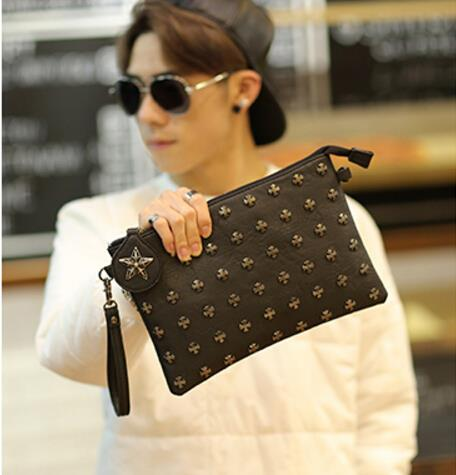 The new Korean version of the male rivet envelope bag