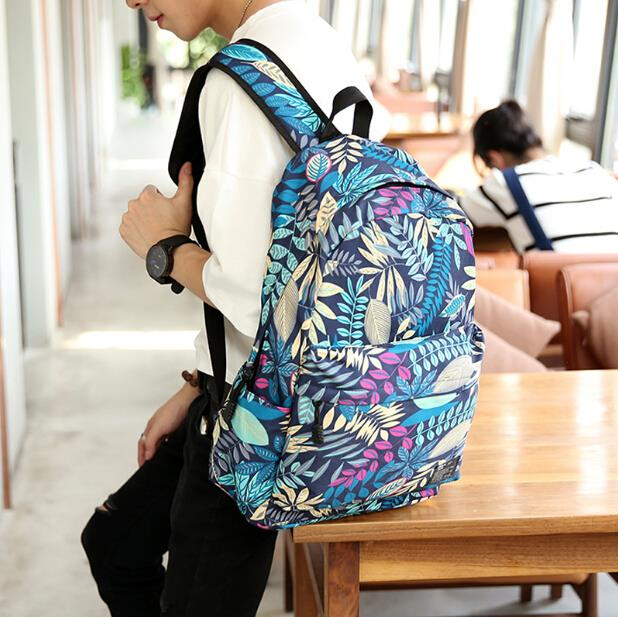 Korean version of the tide men leisure canvas printing backpack