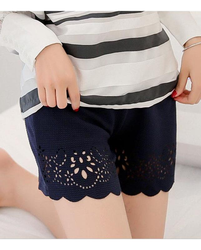 Lace Side Anti Emptied Short Pants (Four Star Flower)