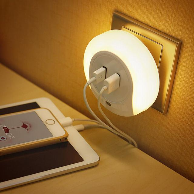 LED Night Light Dual USB Charger with Auto On/Off Light Sensor