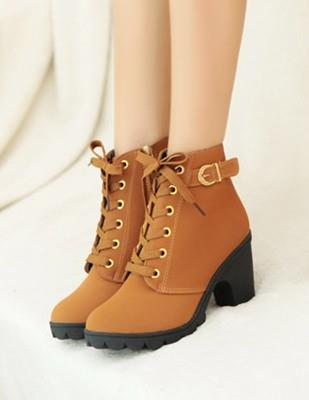 London Style Fashion Block Heel Ankle Boots (Coffee)