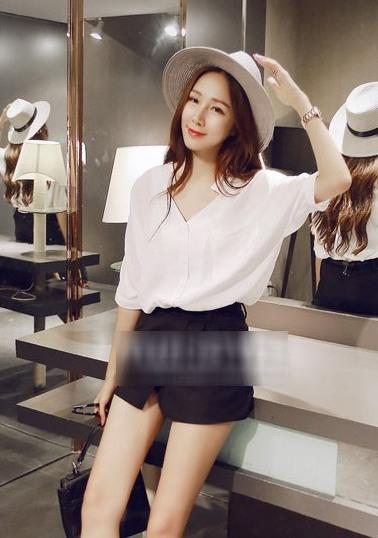 Loose V Medium-sleeve Shirt (White)