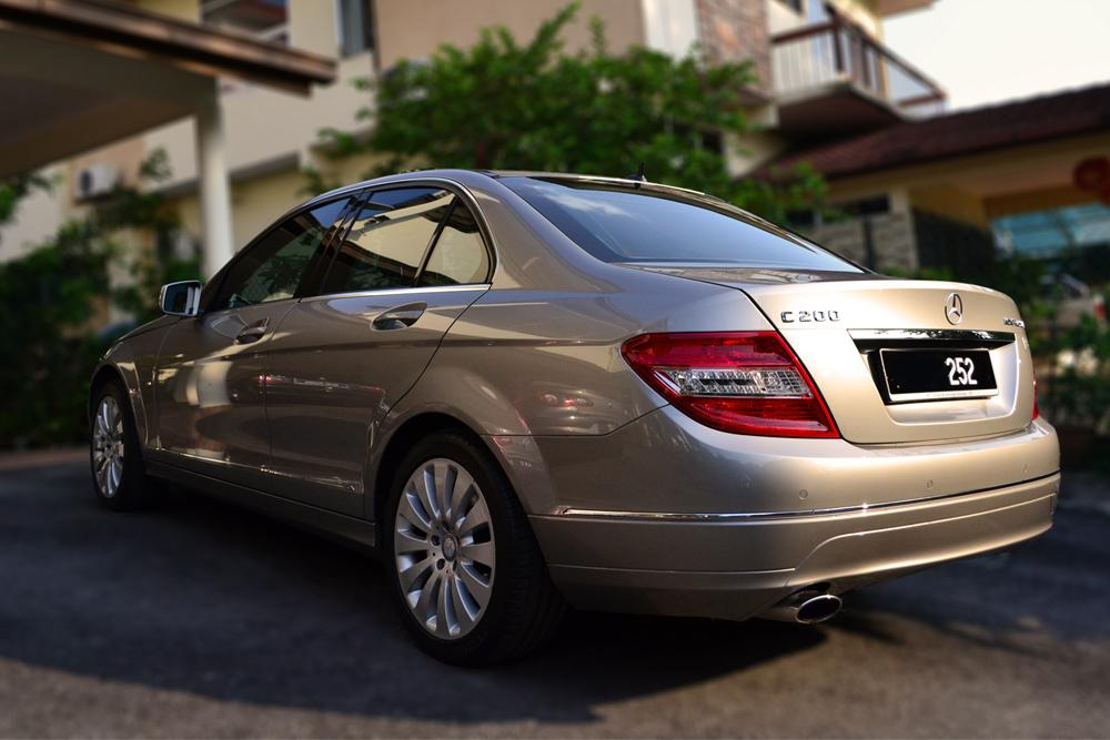 MERCEDES-BENZ C200 LOCAL CKD 2009